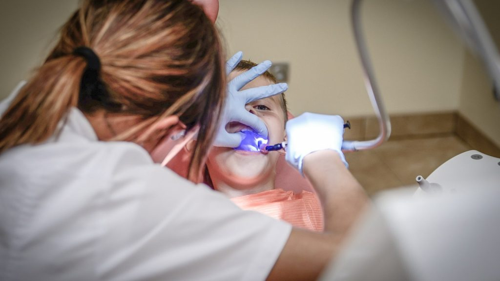 Comment devient-on orthodontiste ?
